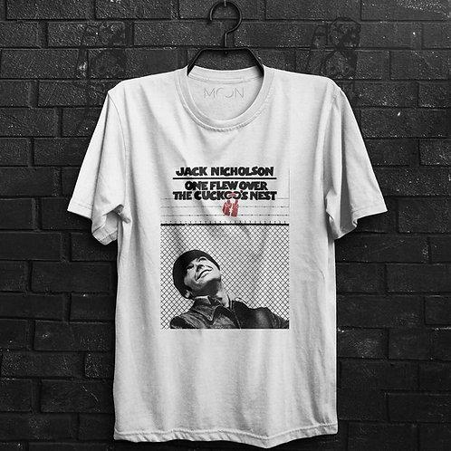 Camiseta - Um Estranho No Ninho