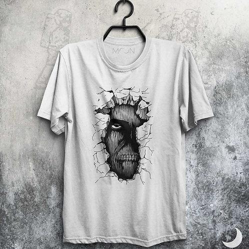 Camiseta - Titan On The Wall