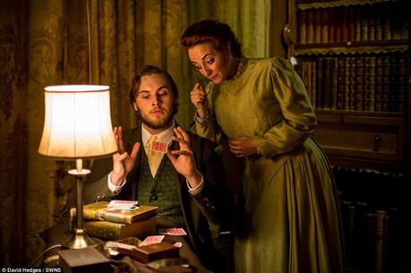 Performing Magic at A Very Victorian Christmas '16