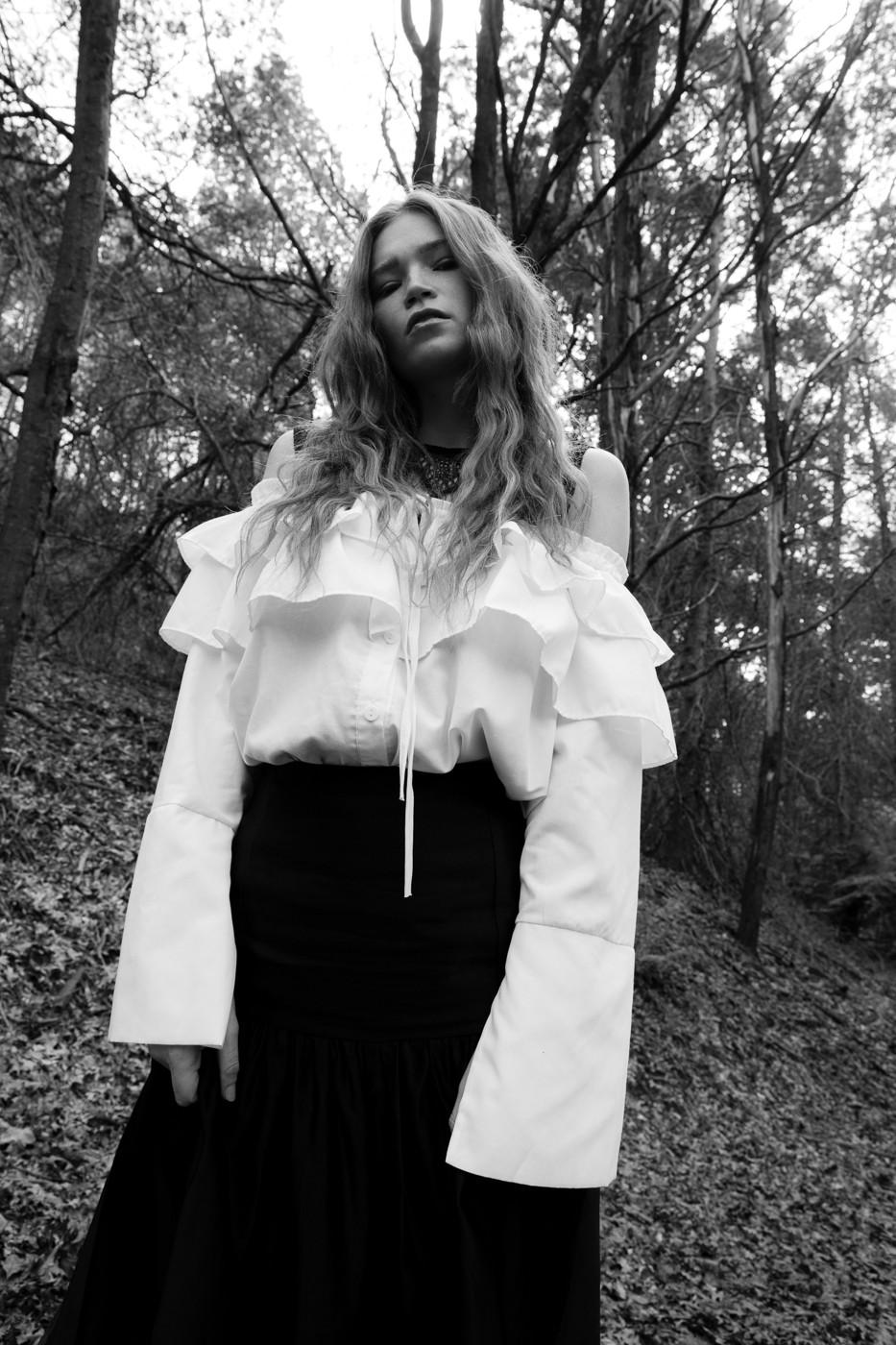 MINDLY JOURNAL | Model - Amy | Photo - Vlad Savin | Hair - Helen Demos | MUA - Josie Hanuska