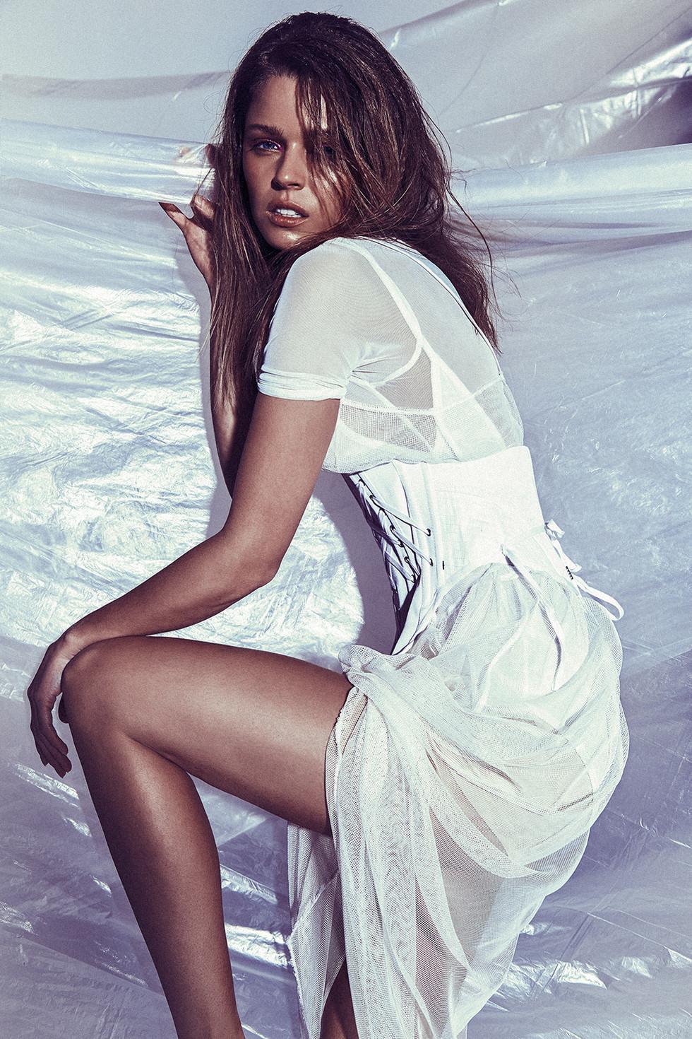 SHUSTRING MAGAZINE | Photo - Bernard Gueit | Model - Juliana Forge | Hair - Nic Santoyo | MUA - Leonie Karagiannis