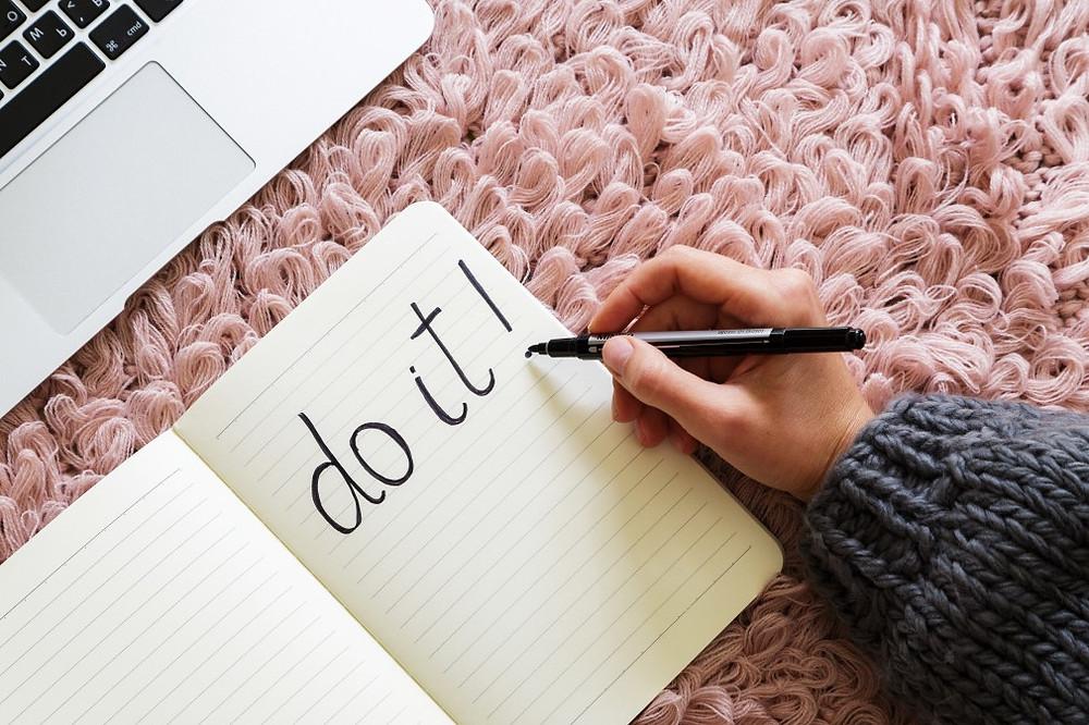 Pour conserver ta motivation et avant de te mettre à réviser, élimine les mauvais souvenirs liés à ton parcours scolaire.