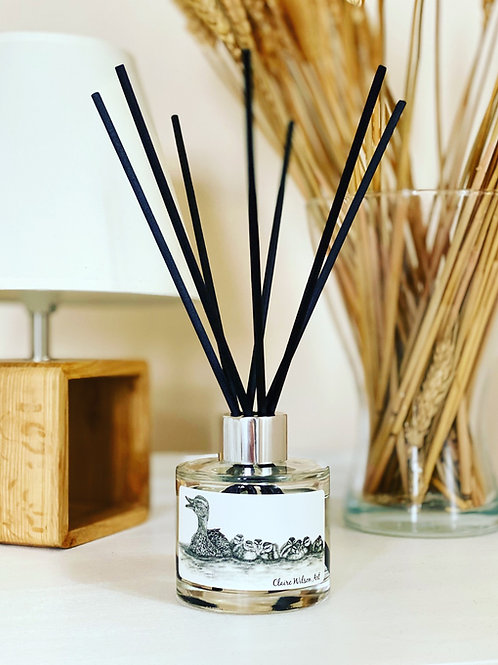 'JUST KEEP SWIMMING' REED DIFFUSER IN AMBER & FRESH JASMINE