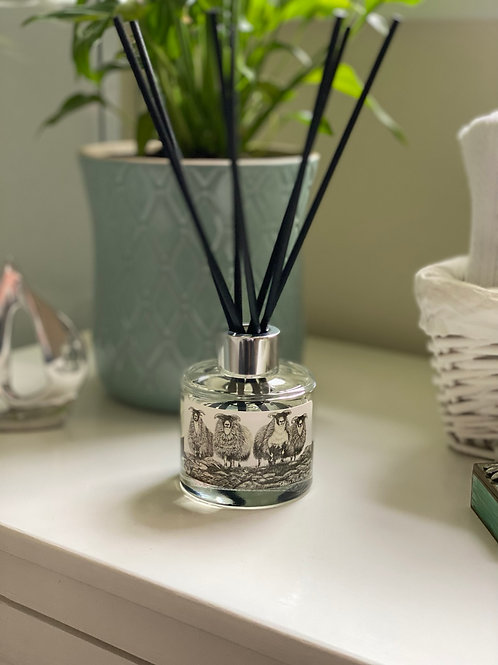 'SCOTCH ON THE ROCKS' REED DIFFUSER IN HONEYED PEACH & LEMON