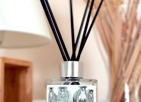 'SCOTCH ON THE ROCKS' REED DIFFUSER IN AMBER & FRESH JASMINE