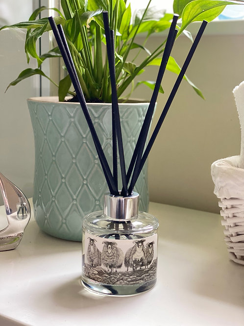 'SCOTCH ON THE ROCKS' REED DIFFUSER IN FRESH WHITE LINEN