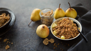 FITNESS PEAR AND WHOLE GRAIN CRUMBLE.jpg