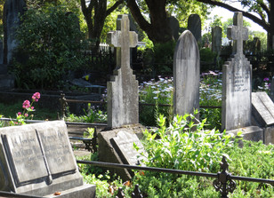 Granite is One of the best mediums for headstones.