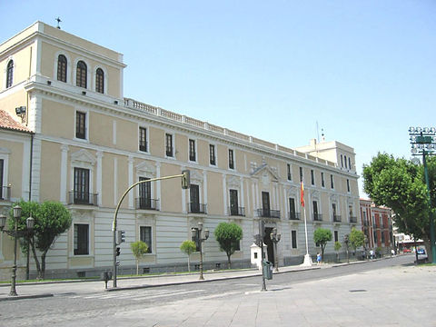 Valladolid_-_Palacio_Real.jpg