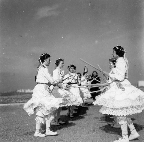 Danzas_Sección_Femenina.jpg