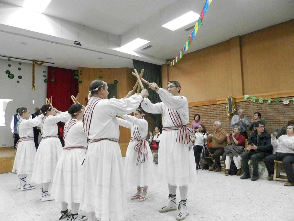 El paloteo son una danza antigua y ritual muy ligada a la festividad del Corpus Christi