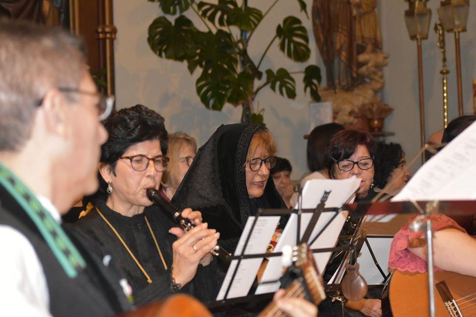Coro2_asociacion_folclorica_pilarica.jpg
