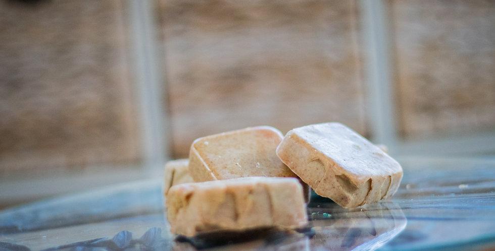 Savons artisanaux - Huile d'olive, huile de noix de coco huile ess. d'orange