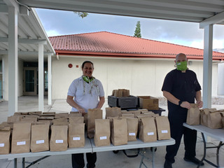 Local Resident, Chef Lisa Prather, supports meal distributions at Gulfport Elementary School