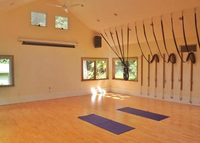 yoga-studio.jpeg