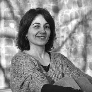 """Entrevista a Patricia Iniesto acerca de su poemario """"Cosmogonía de la luz y del invierno""""."""