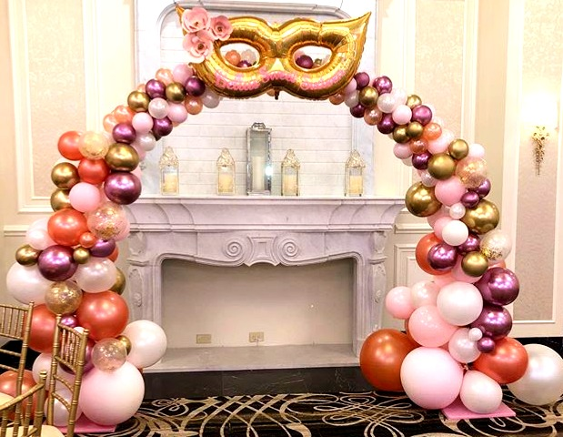 Organic arch with custom balloon