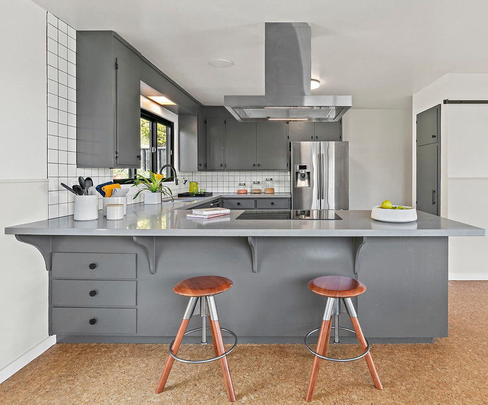 Kitchen, painted cabinets, benjamin moore paint, pulls, knobs, granite countertop, tile backsplash