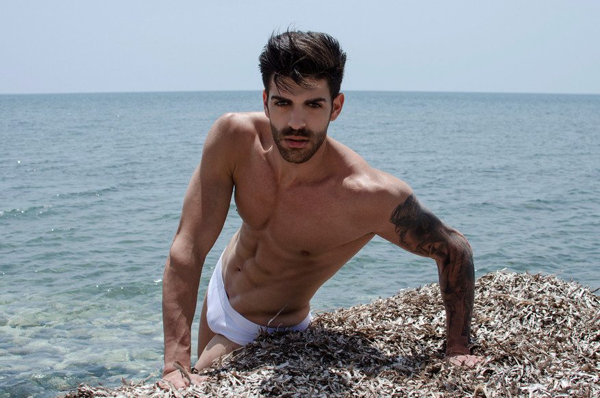02-marios-serghiou-fashionably-male-stav