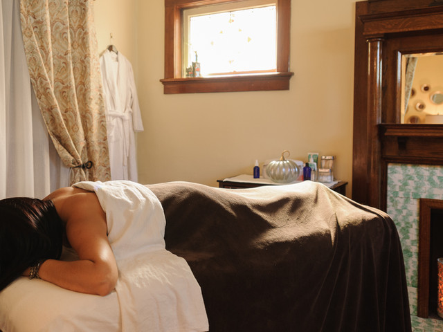 relish day spa massage