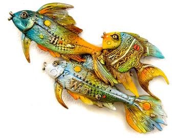 Fishies Swimming Left