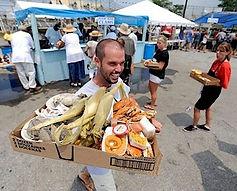 A runner delivering food