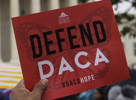La corte federal ordena a la Administración que comiencen a aceptar nuevas solicitudes de DACA