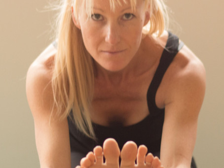 """Virtual Yoga: 6 Reasons Why It's """"Larger than Live"""""""