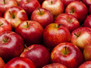 9 reasons to eat an apple every day