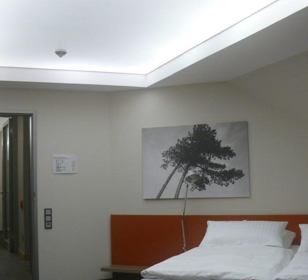 световой натяжной потолок.png