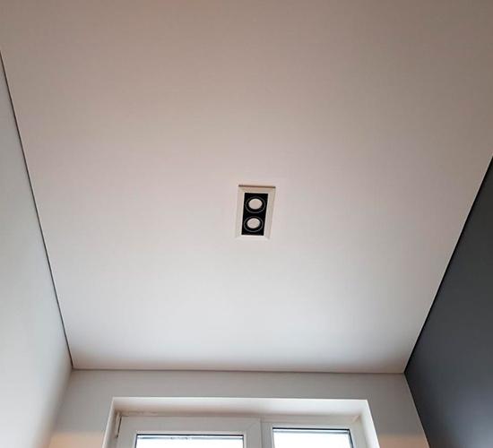 матовый натяжной потолок.png