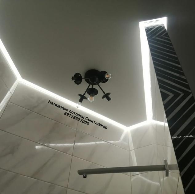 Натяжной потолок Белый  в ванной Сыктывк