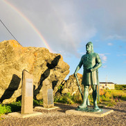 Leif Statue next to The Norseman