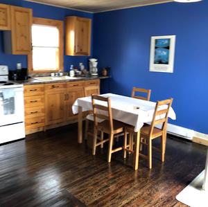 Snorri room kitchen