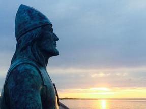 Leif statue next door