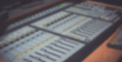 pro-studio-2937531_1280.jpg