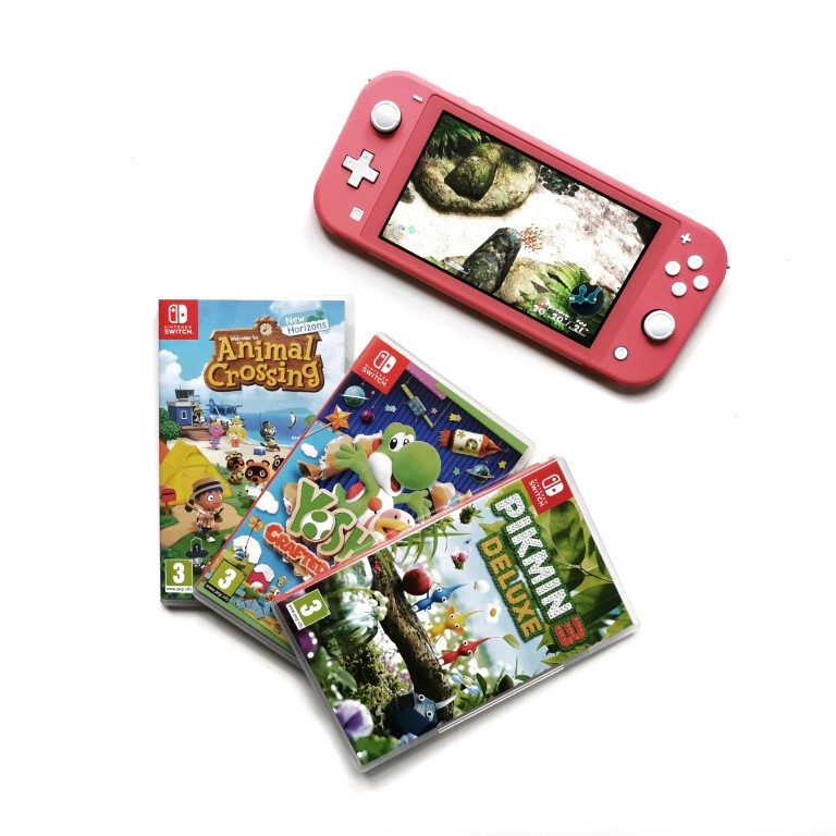 Nintendo Switch Lite, Animal Crossing - New Horizons, Pikmin 3 Deluxe, Yoshi's Crafted World
