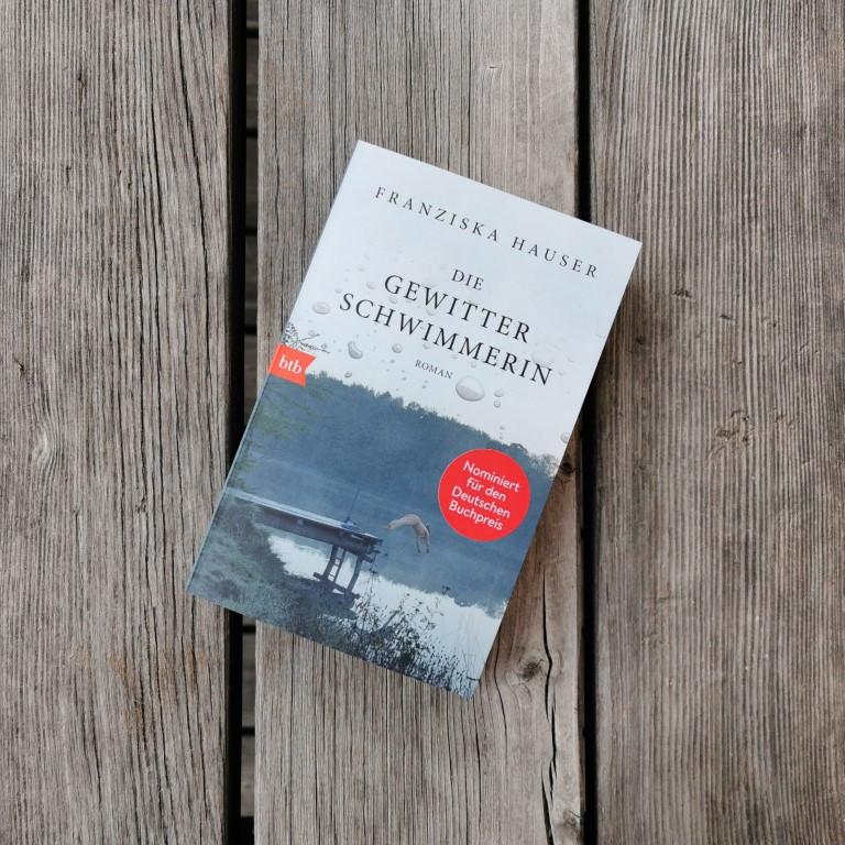 MINT & MALVE Buchtipp: Die Gewitterschwimmerin - Franziska Hauser (btb, 2019)