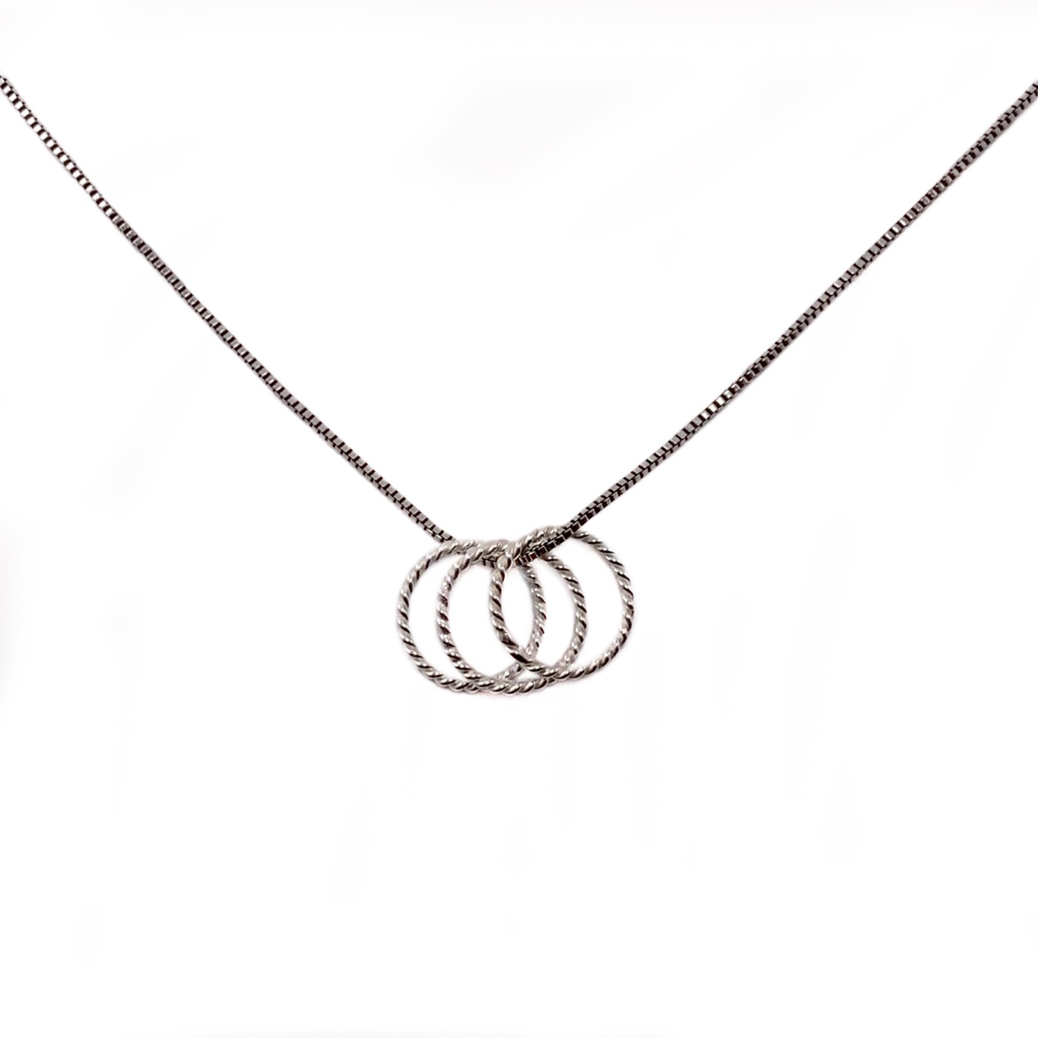Minimalist 3 Rings Necklace