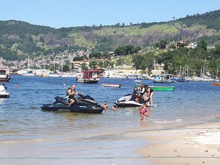 Projeto regulamenta navegação e pesca, em áreas com concentração de banhistas.