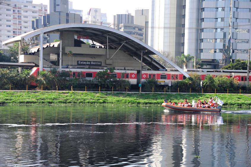 A exemplo das cidades da Europa, São Paulo pode ser uma cidade navegável. O Rio Tâmisa era tão poluído quanto o Rio Pinheiros e hoje recebe circulação de embarcações.