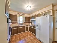 11. Kitchen.jpg