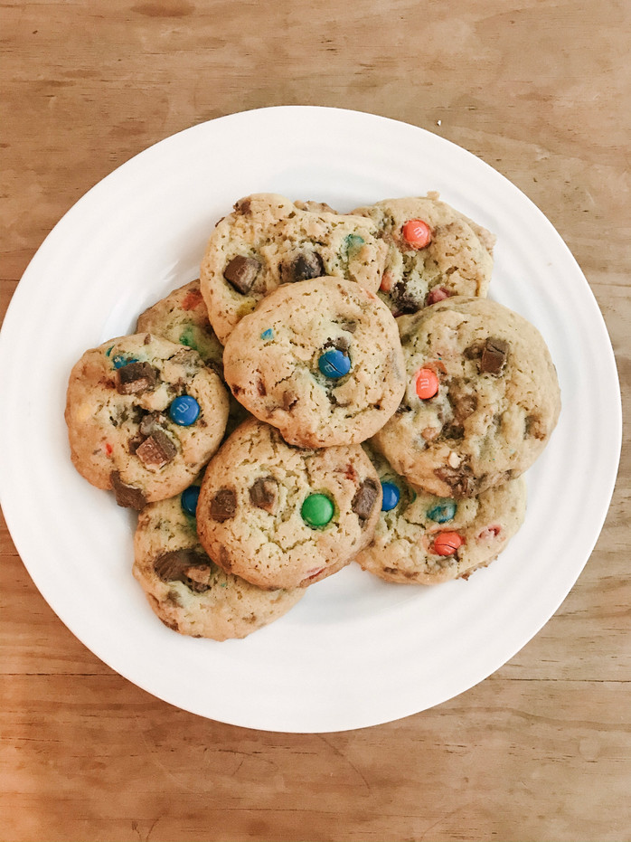 EVERYDAY: LEFTOVER HALLOWEEN CANDY COOKIES