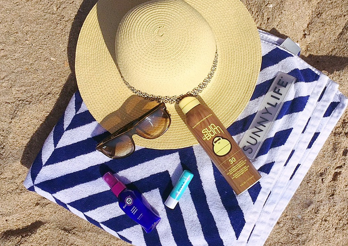 EVERYDAY EXCHANGE TRAVELS: BEACH NECESSITIES