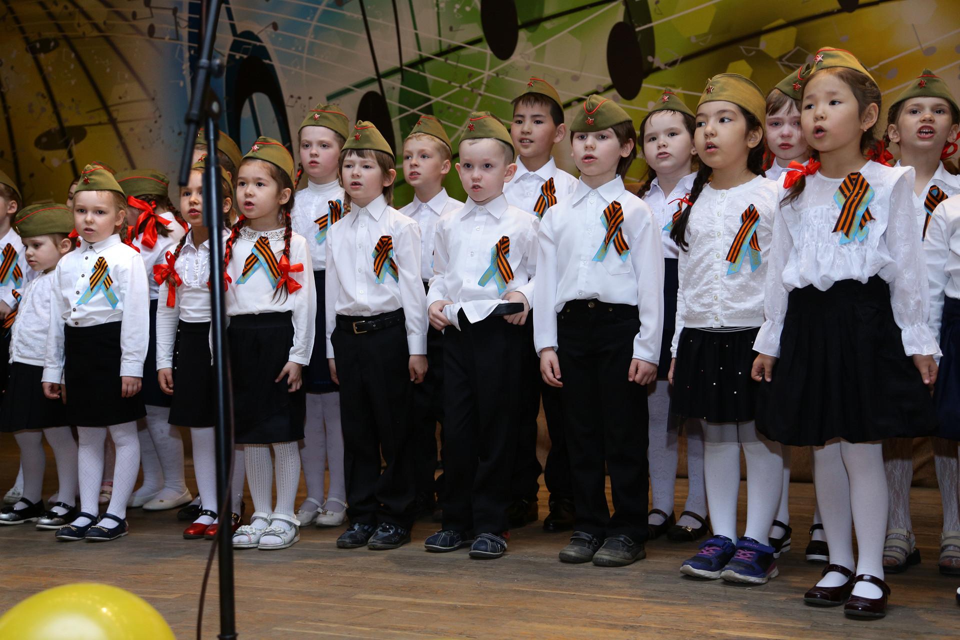 "Младший хор школы-практики ""Камертон"" (рук. Ж.М.Канапина)"