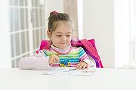 Angličtinu se učíme dvakrát týdně. Je to tak efektivní a nezasahuje to do rozvoje ostatních stránek osobnosti.