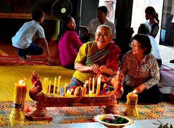 Gülen Budistler - Kamboçya