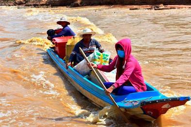 Teknede Ulaşım - Kamboçya
