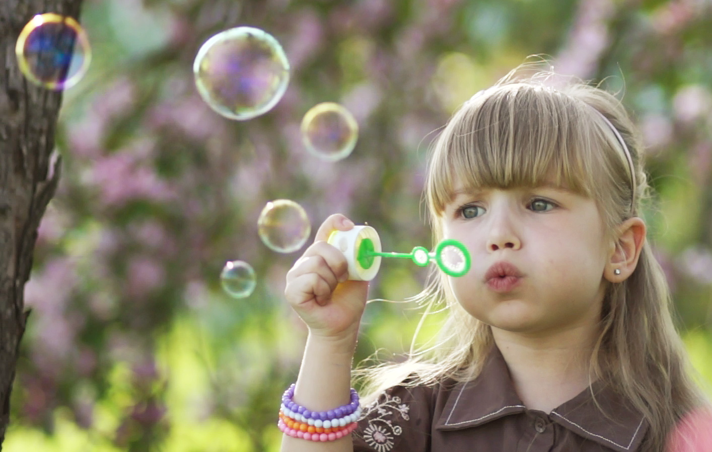 Girl-making-bubbles-Cropped