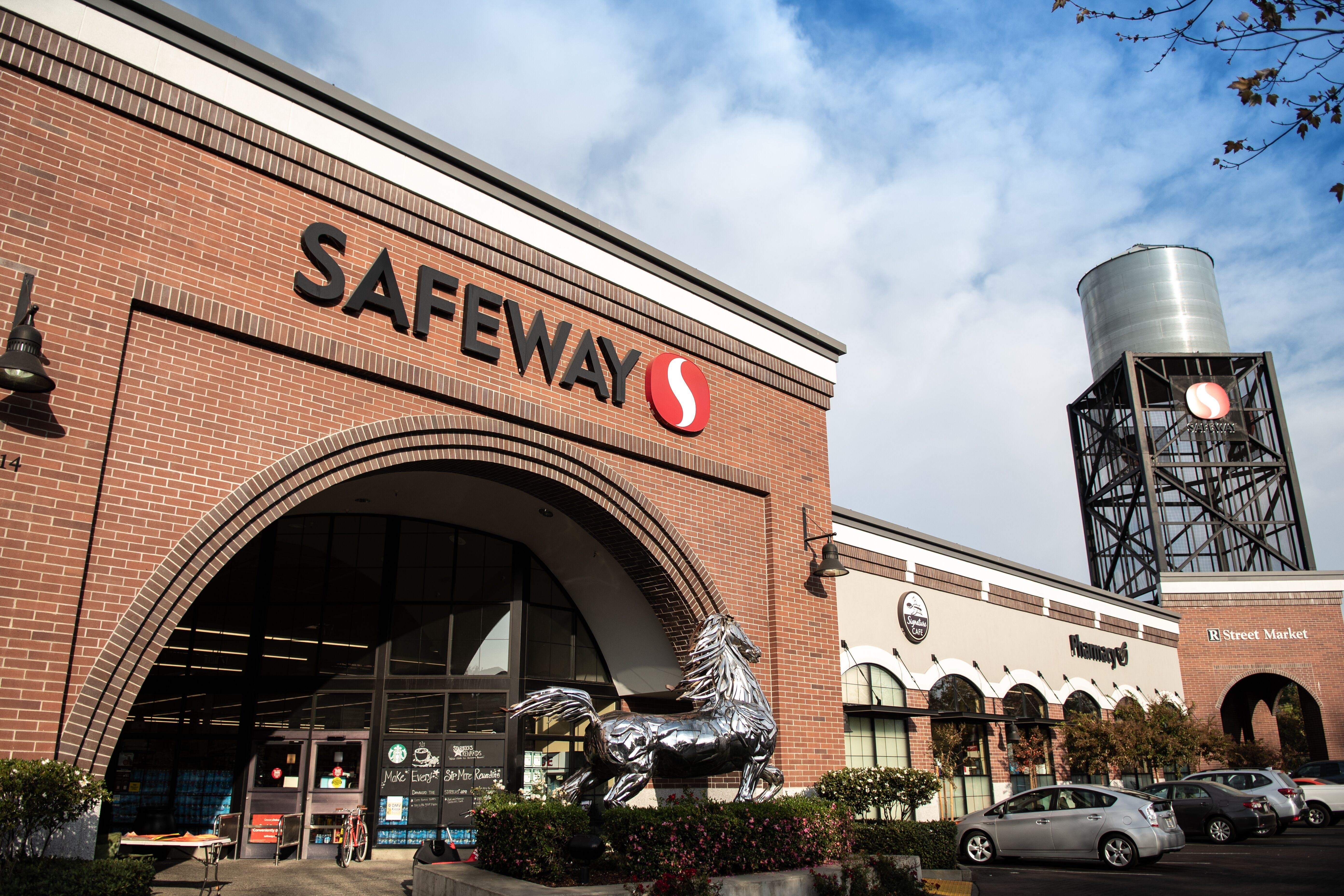 Safeway at R Street Market